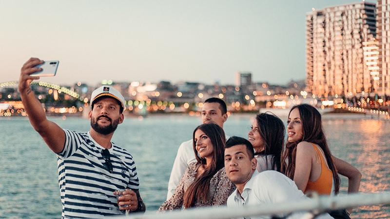 Sunset Cocktail Cruise – najlepši zalazak sunca na reci uz magične koktele
